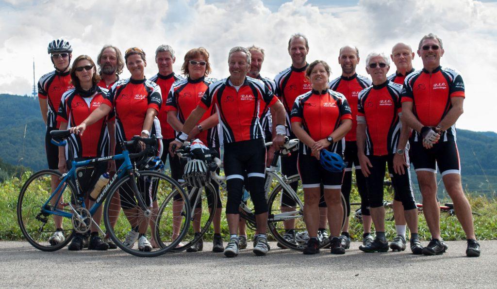 Radsport-Gruppe mit Trikots - RSC Phoenix