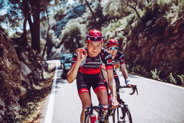 Rennrad-Athleten von Team Leeze auf Mallorca