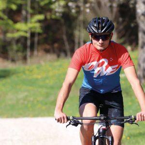 "Mountainbiker mit DOWE Sportswear MTB/Enduro Bikeshort ""Camo"""