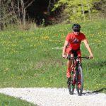 "Mountainbiker mit DOWE Sportswear Race/Allround Bikeshort ""Passion Red"""