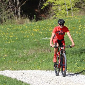 "Mountainbiker mit DOWE Sportswear MTB/Enduro Bikeshort ""Passion Red"""