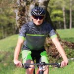 "Mountainbiker mit DOWE Sportswear MTB/Enduro Bikeshort ""Marine"""