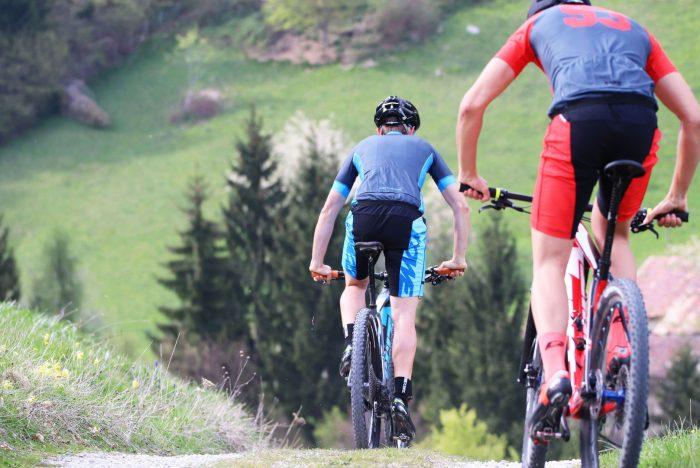 "Mountainbiker mit DOWE Sportswear Race/Allround Bikeshort ""Marine"""