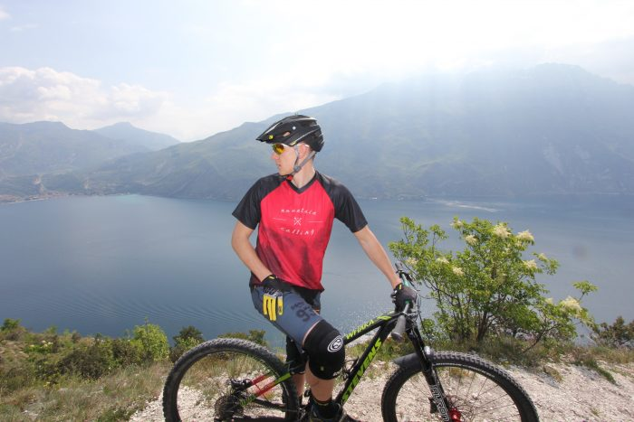 "Mountain biker with Short-Sleeve Jersey ""Mountain Calling"""
