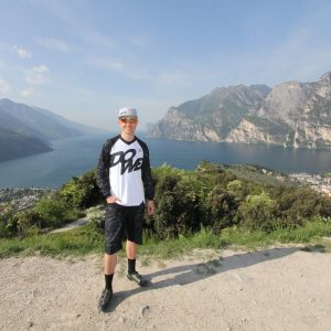 "MTB / Enduro Long-Sleeve Jersey ""Rocker"" - model near Lake Garda"
