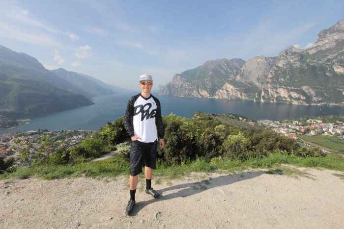 "MTB / Enduro Long-Sleeve Jersey ""Rocker"" - model near Lake Garda"