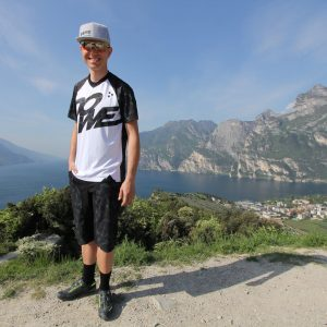"MTB / Enduro Short-Sleeve Jersey ""Rocker"" - Model near Lake Garda"